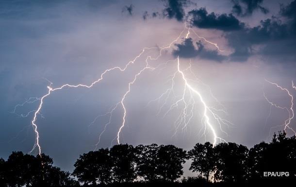 У чотирьох областях штормове попередження