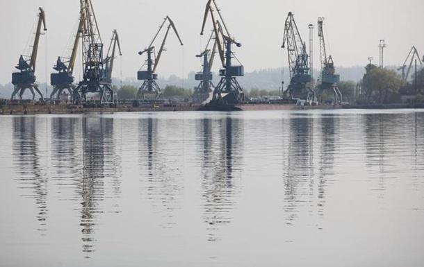 Пляжі Запоріжжя закрили через загадкову пляму на воді