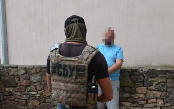 На Прикарпатье экс-чиновника задержали за продажу оружия