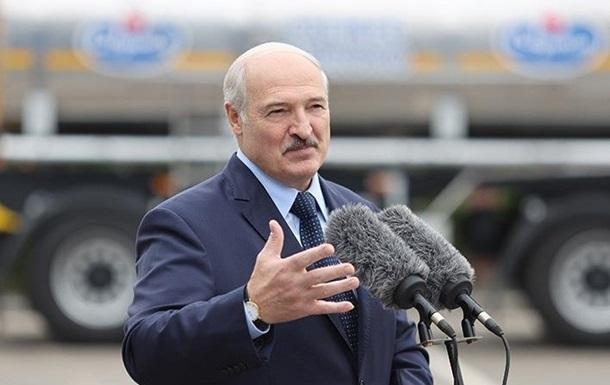 Лукашенко обвинил Украину во вмешательстве в дела Беларуси