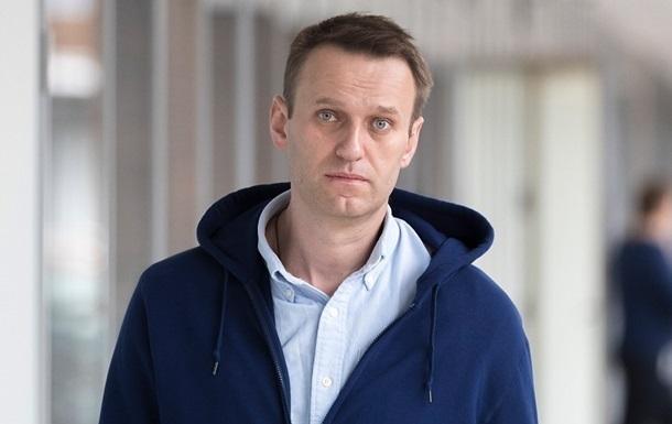Новичок нашли в крови, на коже и на бутылке Навального - СМИ