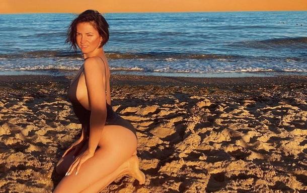 Певица Оля Цибульская позировала без макияжа и топлес