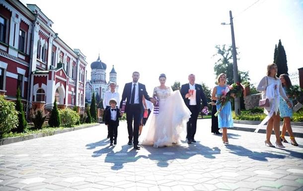 Анастасия Приходько показала фото с венчания