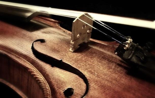 Россиянин нашел в квартире скрипку Страдивари