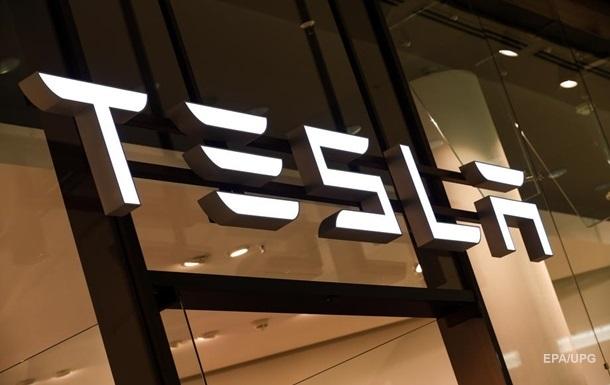 Акції компанії Tesla обвалилися