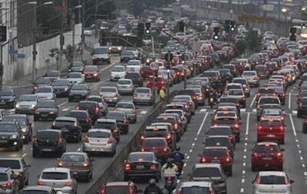 Из-за схем Кличко и Комарницкого опасно передвигаться по мосту Патона