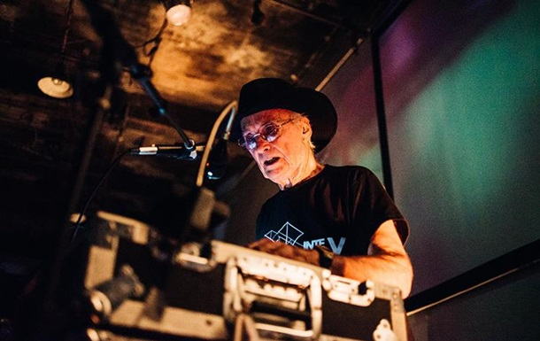 Умер легенда электронной музыки Саймеон Кокс