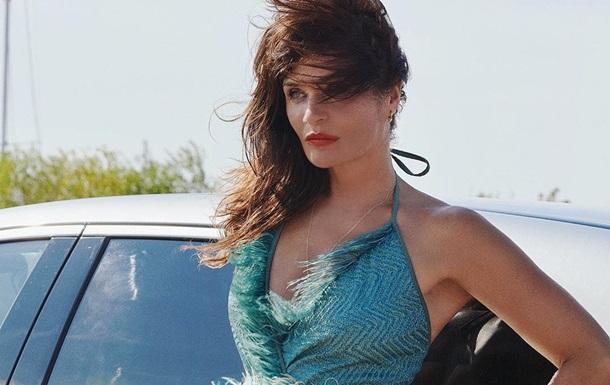 Супермодель примерила боди, которое носила 30 лет назад: фото