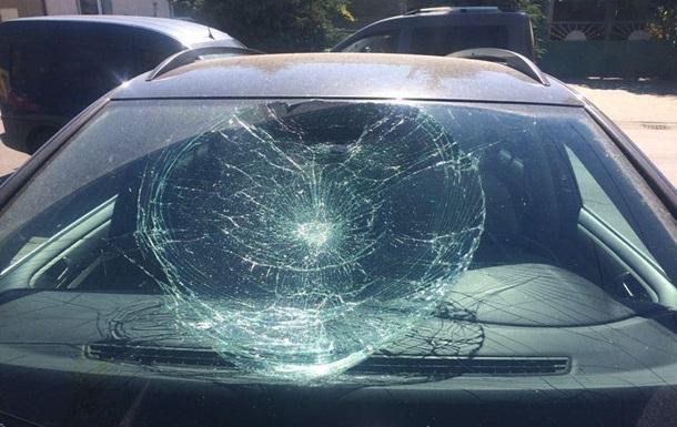 В Ужгороде хулиган повредил семь автомобилей