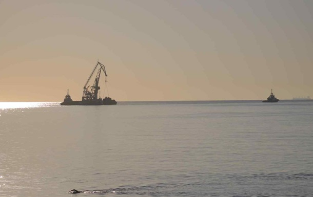 Танкер Delfi отбуксировали в порт Черноморска