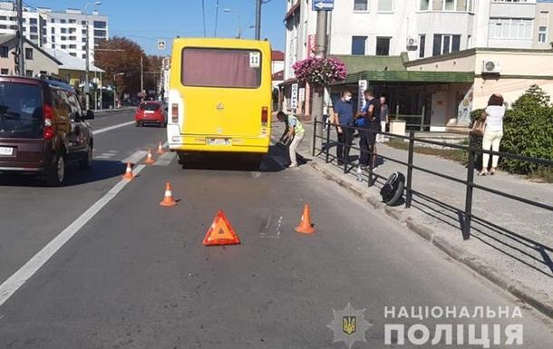 В Тернополе мужчина на моноколесе погиб под колесами маршрутки
