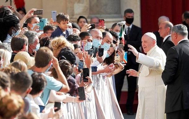 Папа Римский без маски рассказал о COVID-19: фото, видео
