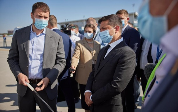 Зеленський ознайомився з реконструкцією аеропорту Одеси