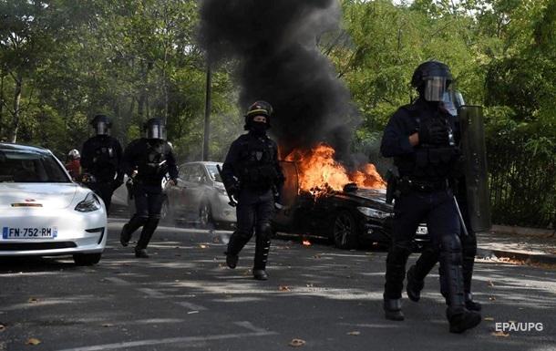 Протесты желтых жилетов: в Париже задержали более 250 митингующих