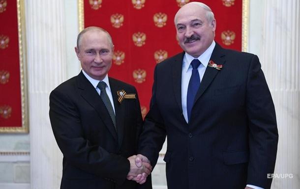 Путин не верит в свержение Лукашенко - Bloomberg