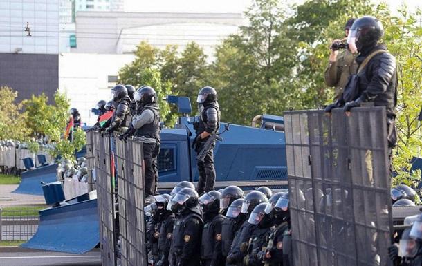 Будують барикади. У Мінську 150 тисяч учасників протесту