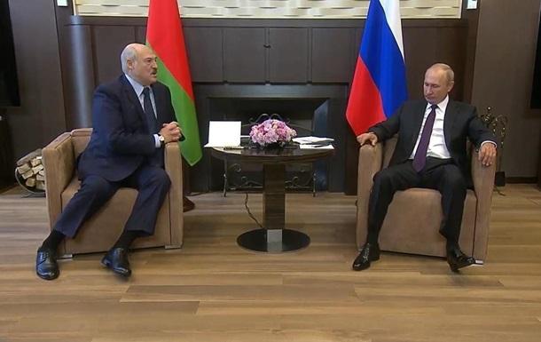 Лукашенко - Путину: Надо держаться с нашим братом