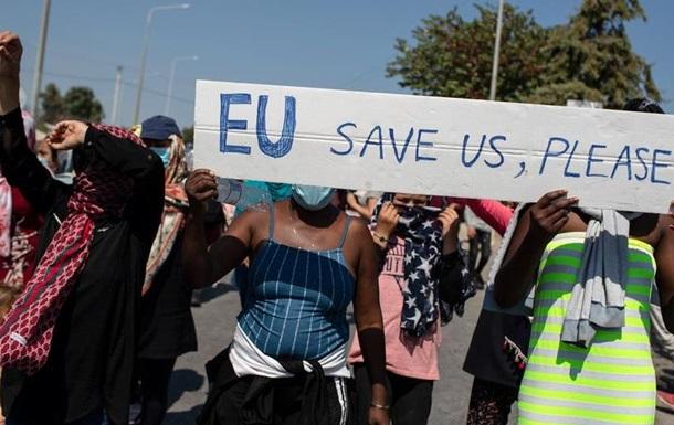 У ЄС міркують про створення нового табору для біженців на Лесбосі