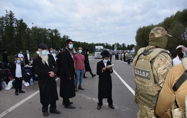 Зеленский провел совещание по застрявшим на белорусской границе хасидам