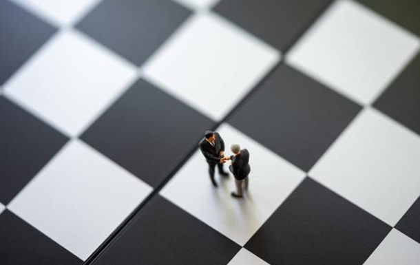 Самостоятельные фигуры на шахматной доске украинской политики