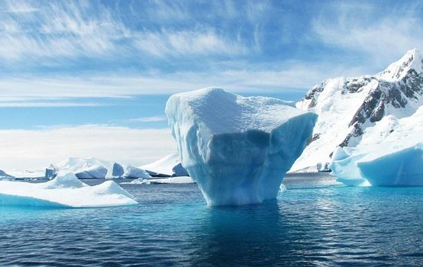 Самый крупный ледник Гренландии раскололся