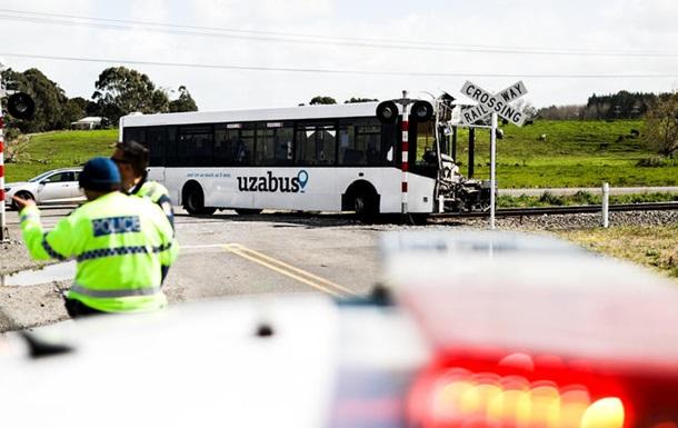 В Новой Зеландии произошло ДТП с участием школьного автобуса и поезда