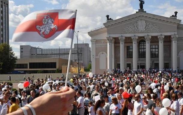 Як Україна веде себе в білоруському питанні