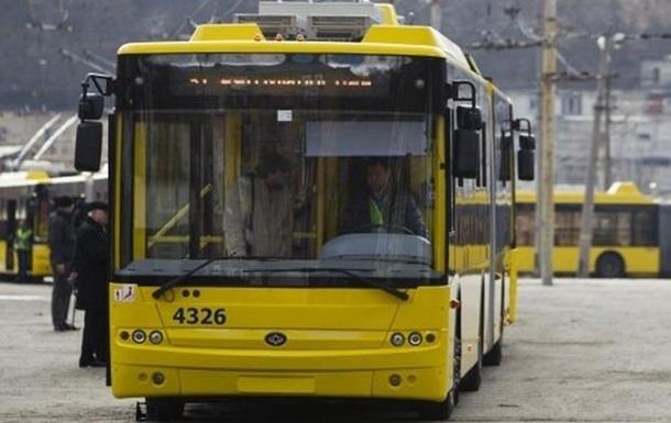 В Сумах пьяная пассажирка избила кондуктора троллейбуса