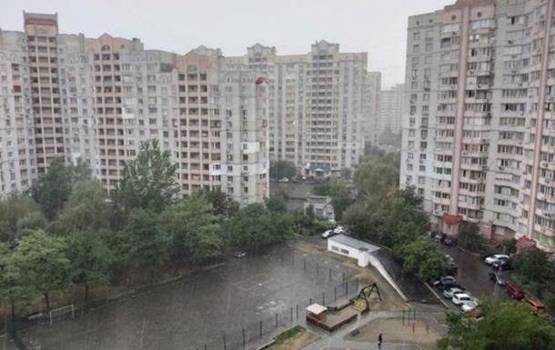Киев накрыл ураган с ливнем