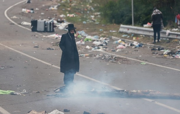 МИД: Беларусь специально собрала хасидов на границе
