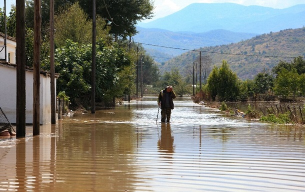 Мощный циклон в Греции унес первые жизни - СМИ