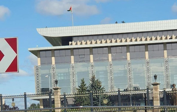 На крыше резиденции Лукашенко замечены снайперы