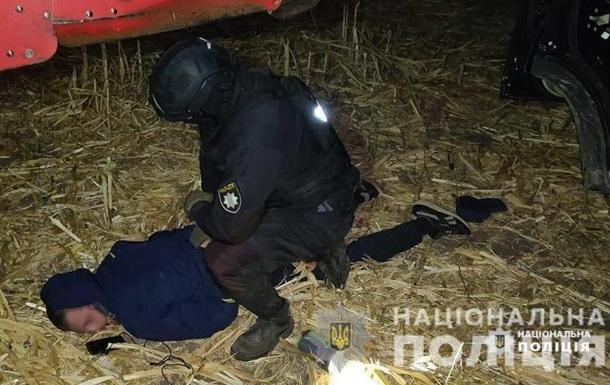 На Черкасчине вооруженные люди пытались собрать чужой урожай