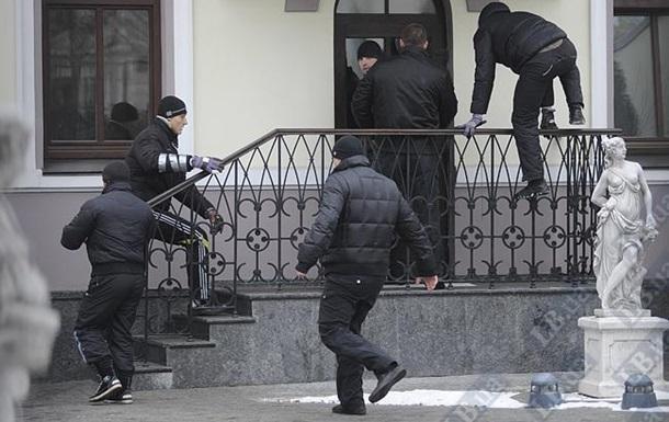 СМИ: Рейдеров судят менее чем в половине случаев
