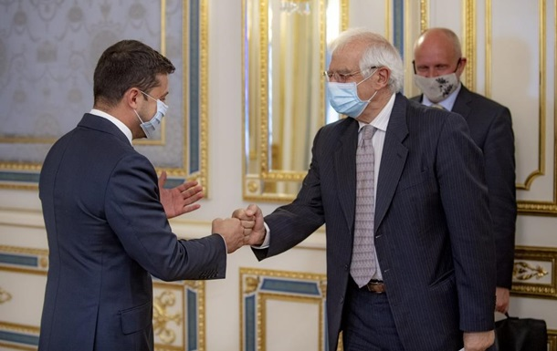 Зеленський обговорив з Боррелем деокупацію Криму