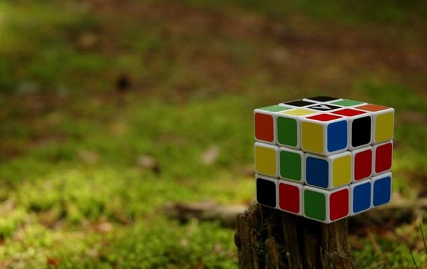 Створено найменший кубик Рубика у світі