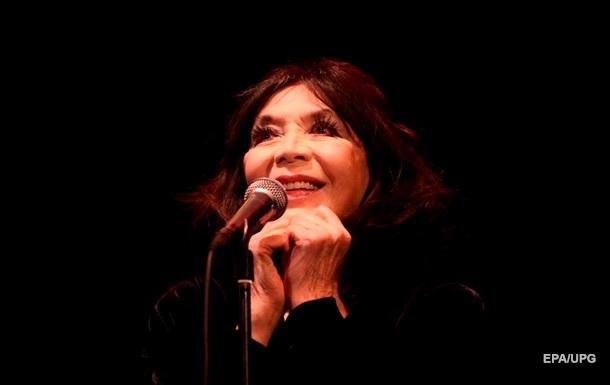 Во Франции умерла легендарная певица