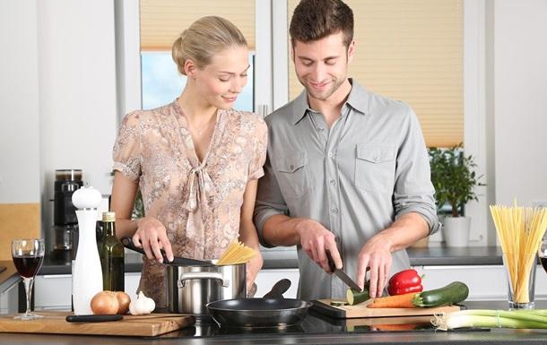Чоловіки розкритикували дії дівчини на кухні