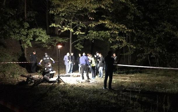 В Киеве на Лысой горе нашли тело с ножницами в шее