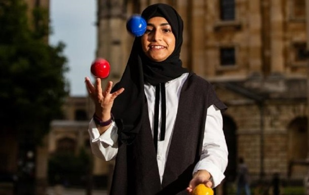 Аспирантка защитила диссертацию с помощью жонглирования