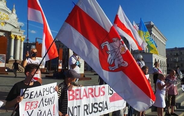 Протесты в Беларуси поддерживают 45% украинцев