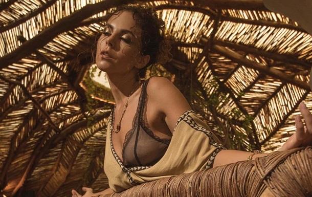 Каменских выпустила лирик видео к треку Pelicula