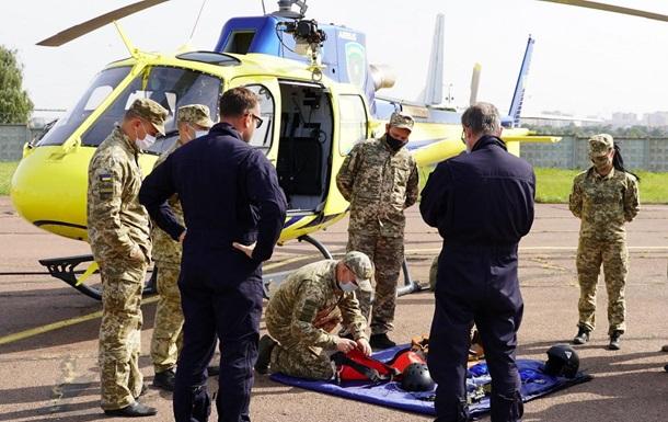 Пилоты-пограничники отработали срочную эвакуацию