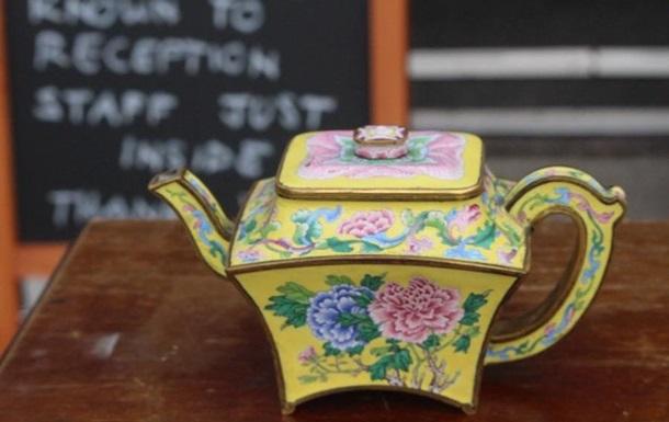 У Британії крихітний чайник продали за $500 тисяч