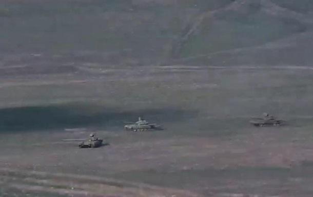 Войска Армении движутся к границе с Азербайджаном