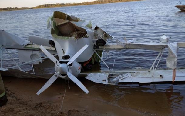 В России самолет упал в речку, две жертвы