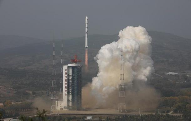 Китай вывел на орбиту два оптических спутника