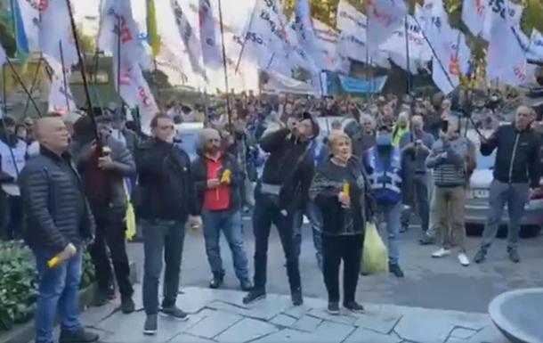 В Киеве предприниматели митингуют против применения кассовых аппаратов