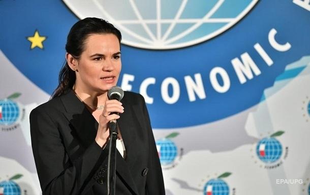 Тихановская просит Макрона стать посредником в диалоге с Лукашенко