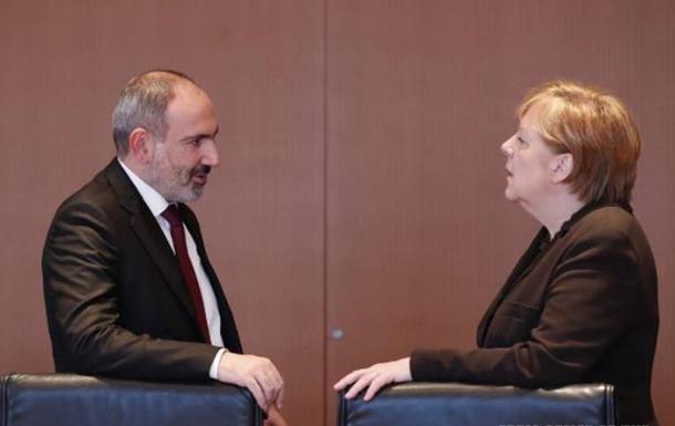 Пашинян просит Меркель обуздать Турцию